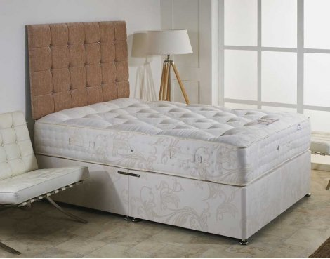 Luxan Elizabeth No Drawers with Headboard 4\'6 Divan