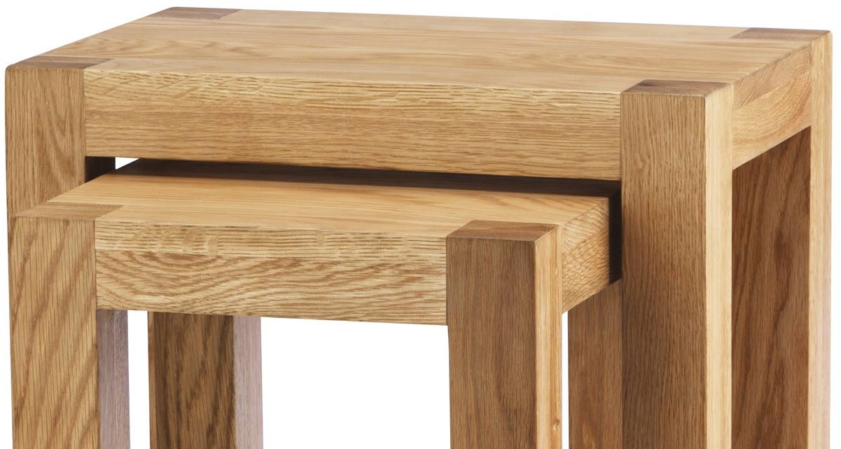 Chunky oak nest of tables for Large chunky coffee table