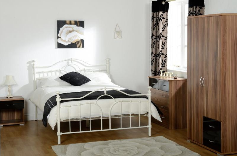 valufurniture keswick cream double bed. Black Bedroom Furniture Sets. Home Design Ideas